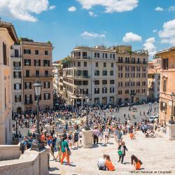 busy rome street